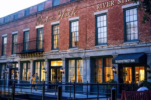 River Street Inn - Savannah, GA 31401