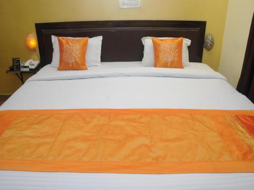 HotelOYO 2808 Hotel Orange Inn