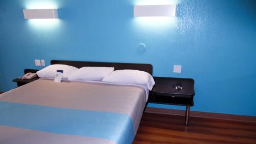 Motel 6 Dallas - Irving Dfw Airport East - Irving, TX 75062