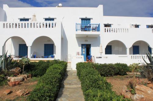 840 07 Antíparos, Greece.