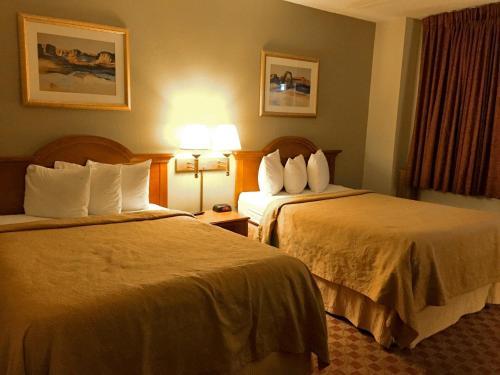 Motel 6 Dickinson Photo