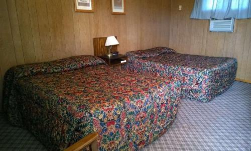 Island Park Motel - Lisbon, ND 58054