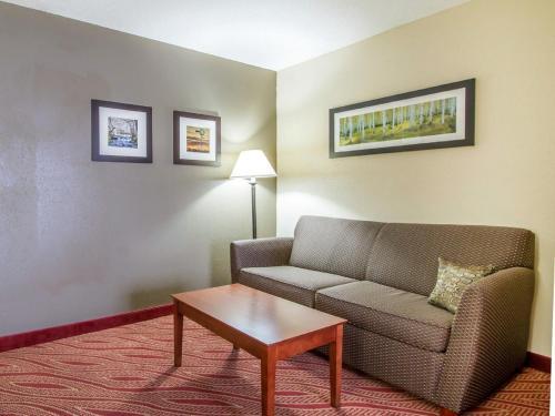 Comfort Inn Poplar Bluff Photo