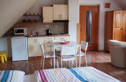 Apartments Odmeny U Trebone