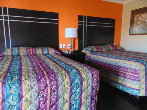 Heart Of Texas Motel - Austin, TX 78735