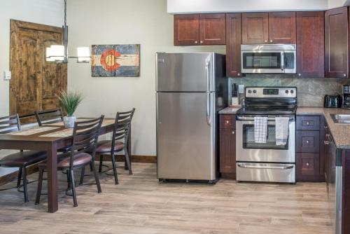 Elkhorn 163 Apartment - Estes Park, CO 80517