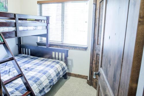 Longs Peak 141 Apartment Photo