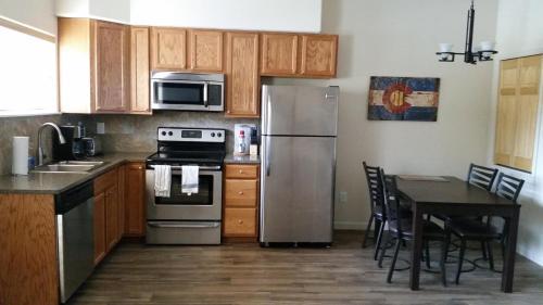 Elkhorn 116 Apartment Photo
