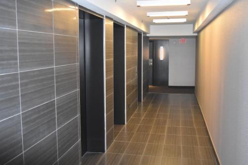 Pinnacle Suites - Pantages Tower - Toronto, ON M5B 2R3