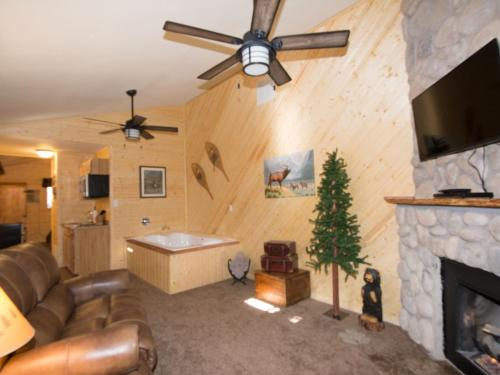 Upper Canyon Inn Photo