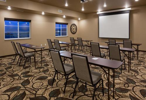 Grandstay Hotel & Suites Valley City - Valley City, ND 58072