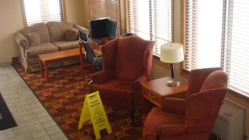 Days Inn By Wyndham Muncie -ball State University - Muncie, IN 47303
