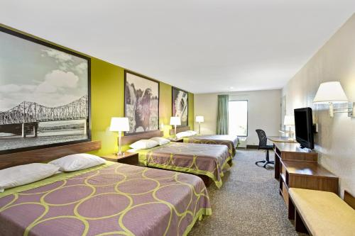 Super 8 By Wyndham Gainesville - Gainesville, GA 30501
