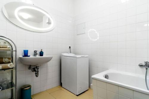 Grand Central Mitte Apartment photo 12