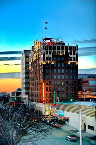 Courtyard by Marriott Amarillo Downtown Photo