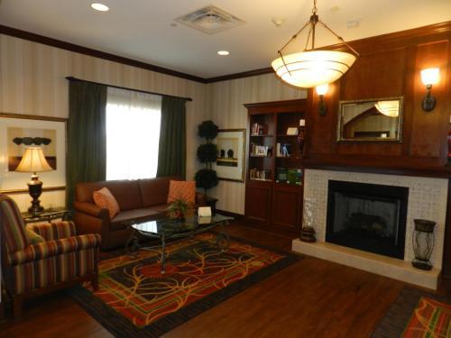 Country Inn & Suites by Radisson, Braselton, GA Photo