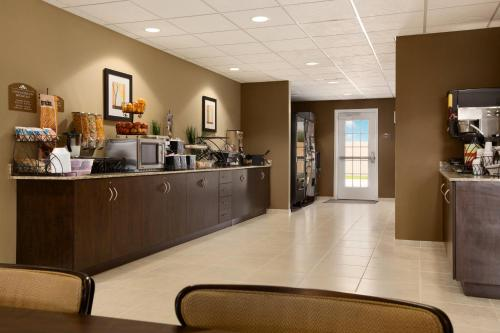 Microtel Inn & Suites By Wyndham - Midland, TX 79701