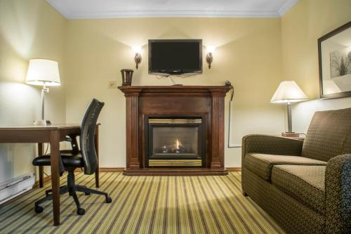 Quality Inn Peterborough - Peterborough, ON K9J 1Z9