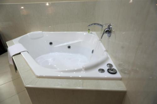 Quality Hotel Melbourne Airport photo 24
