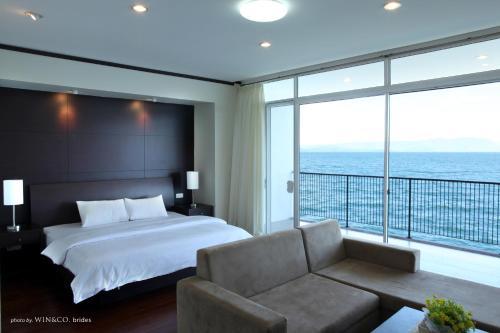 Tiara Bunga Hotel & Villa Photo