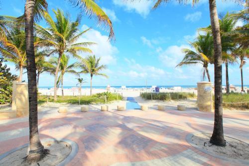 Hampton Inn Miami Beach Photo