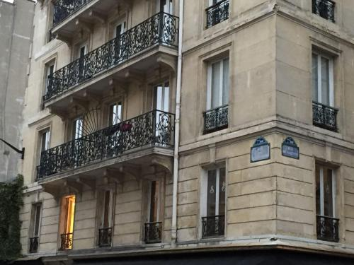 Bellechasse Apartments photo 2
