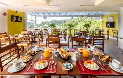 Hotel Petropolis Inn Photo