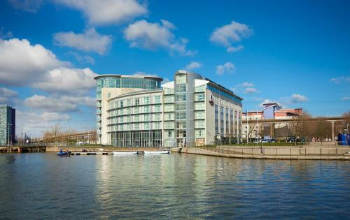 DoubleTree By Hilton London Excel photo 12