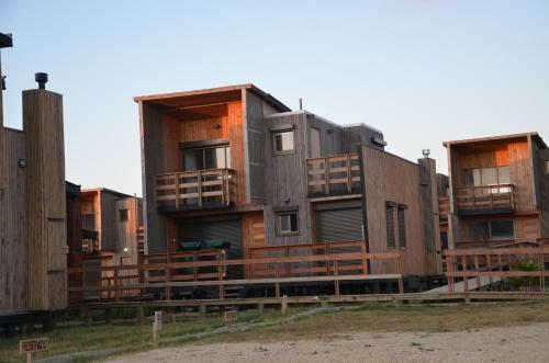 Casas Junto al Mar Photo