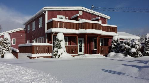 Bears Cove Inn Photo
