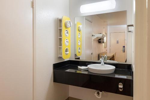 Motel 6 - Mcallen - McAllen, TX 78501