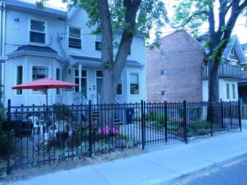 Executive Underground Apartment - Toronto, ON M4Y 2K1