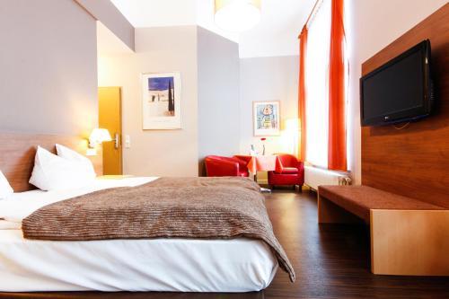 hotel l we am tiergarten hotel cafe restaurant bar karlsruhe desde 105 rumbo. Black Bedroom Furniture Sets. Home Design Ideas
