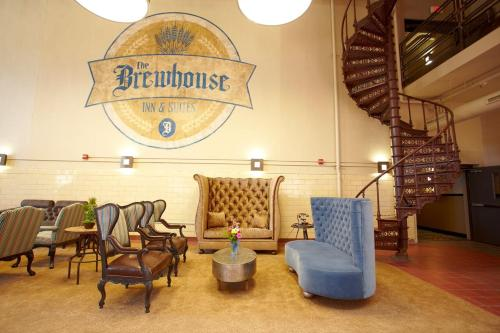 Brewhouse Inn And Suites Photo