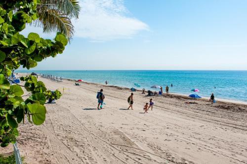 Ramada Plaza Marco Polo Beach Resort Photo