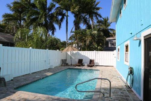 5612 Easy Up and Down Holiday Home Photo