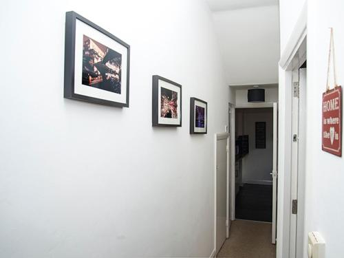 Avenue Apartment photo 2