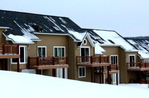 Fox Ridge 204 Photo