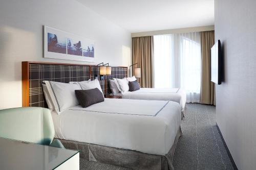 The Godfrey Hotel Boston Photo