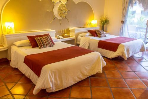 Hotel Riviera Del Sol Photo