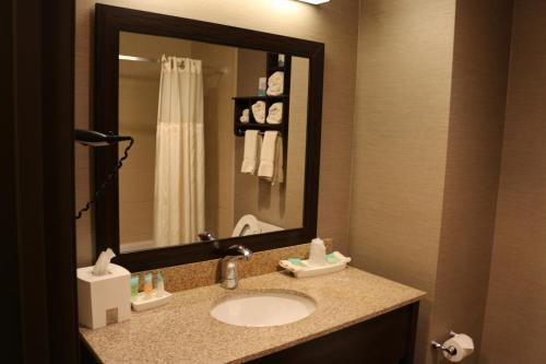 Astoria Hotel and Event Center - Dickinson Photo