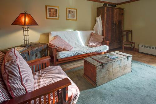 Country Encounters Accommodations Photo
