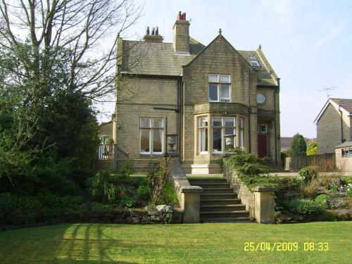 The Manor Guest House (B&B)