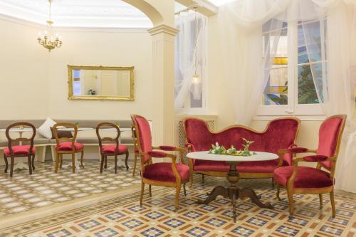 Consell de Cent, 276 Principal, Eixample, 08007 Barcelona, Spain.