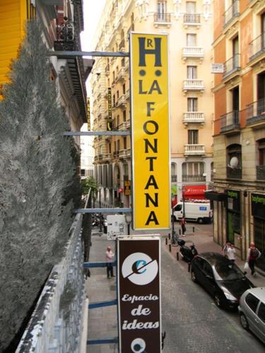 Hostal La Fontana 106