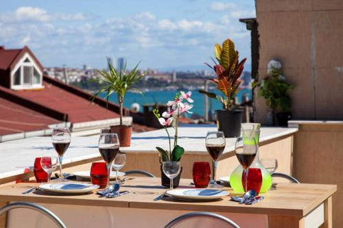 Istanbul Stunning Taksim Flat With Private Terrace ulaşım