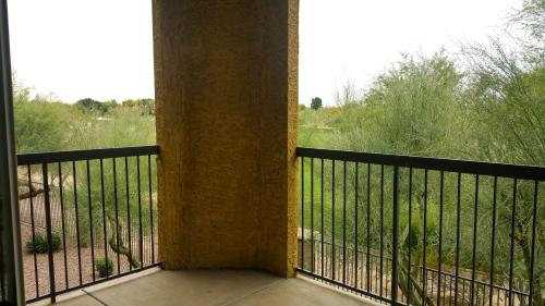 Scottsdale Golf Apartment