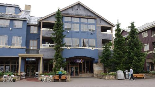 Tyndalstone Lodge - Whistler, BC V0N 1B4