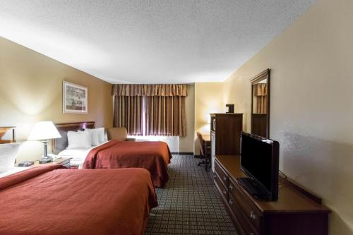 Quality Inn North Photo