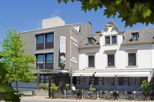 Hotel-Restaurant Neyses am Park